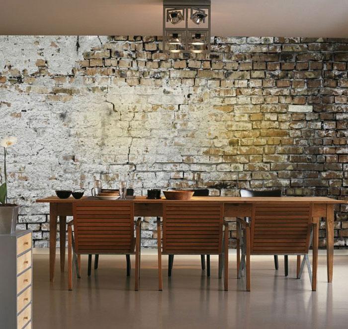 interjers ar ķieģeļa sienu