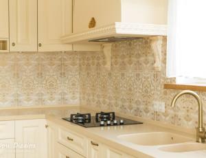 interjers virtuvei klasiskā stilā